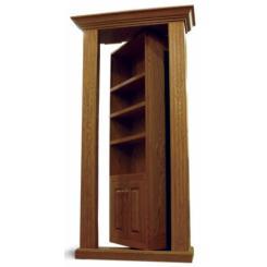 Дверь для потайной комнаты в виде встроенного книжного шкафа