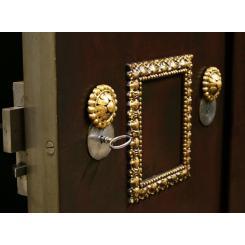 Антикварный сейф , 1850год Бельгия