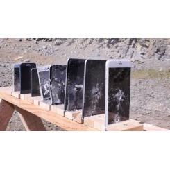 Сколько нужно айфонов, чтобы остановить пулю АК-47?