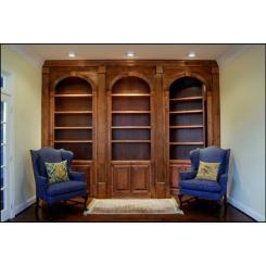 Вход в секретную комнату в виде книжного шкафа с электромагнитным замком