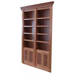 Книжный шкаф в виде двери в потайную комнату
