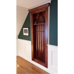 Встроенная киевница в виде двери в хранилище