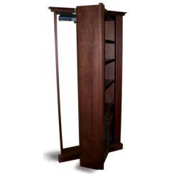 Встроенный книжный шкаф в виде двери в скрытую комнату