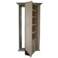 Встроенный книжный шкаф в виде пуленепробиваемой двери в потайную комнату