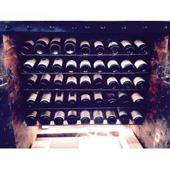 Антикварный сейф шкаф для вина 1790/1820гг с заклепками с секретом Италия