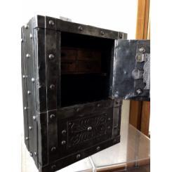 Антикварный сейф 1790/1820гг с заклепками с секретом